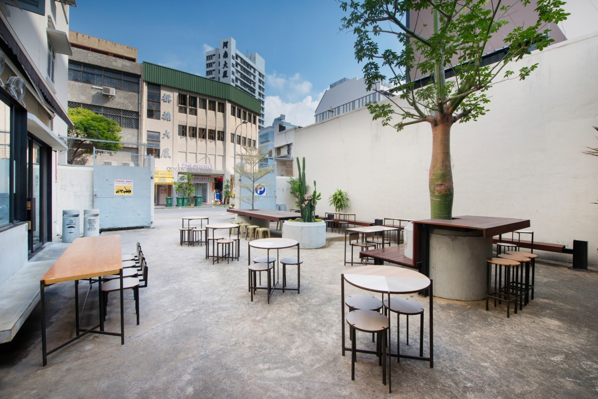 Chye Seng Huat Hardware outdoor seating with chairs and tables