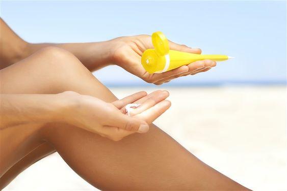 apply sunscreen on legs