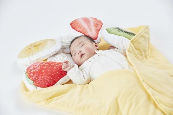 Baby sleeping in Creema sweet crepe blanket
