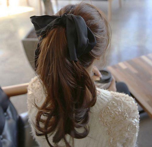 Black ribbon high ponytail