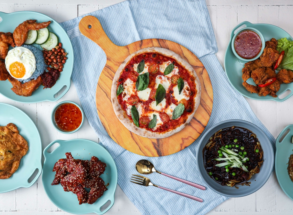 pizza and korean fried chicken at at CAF Clickafood cafe