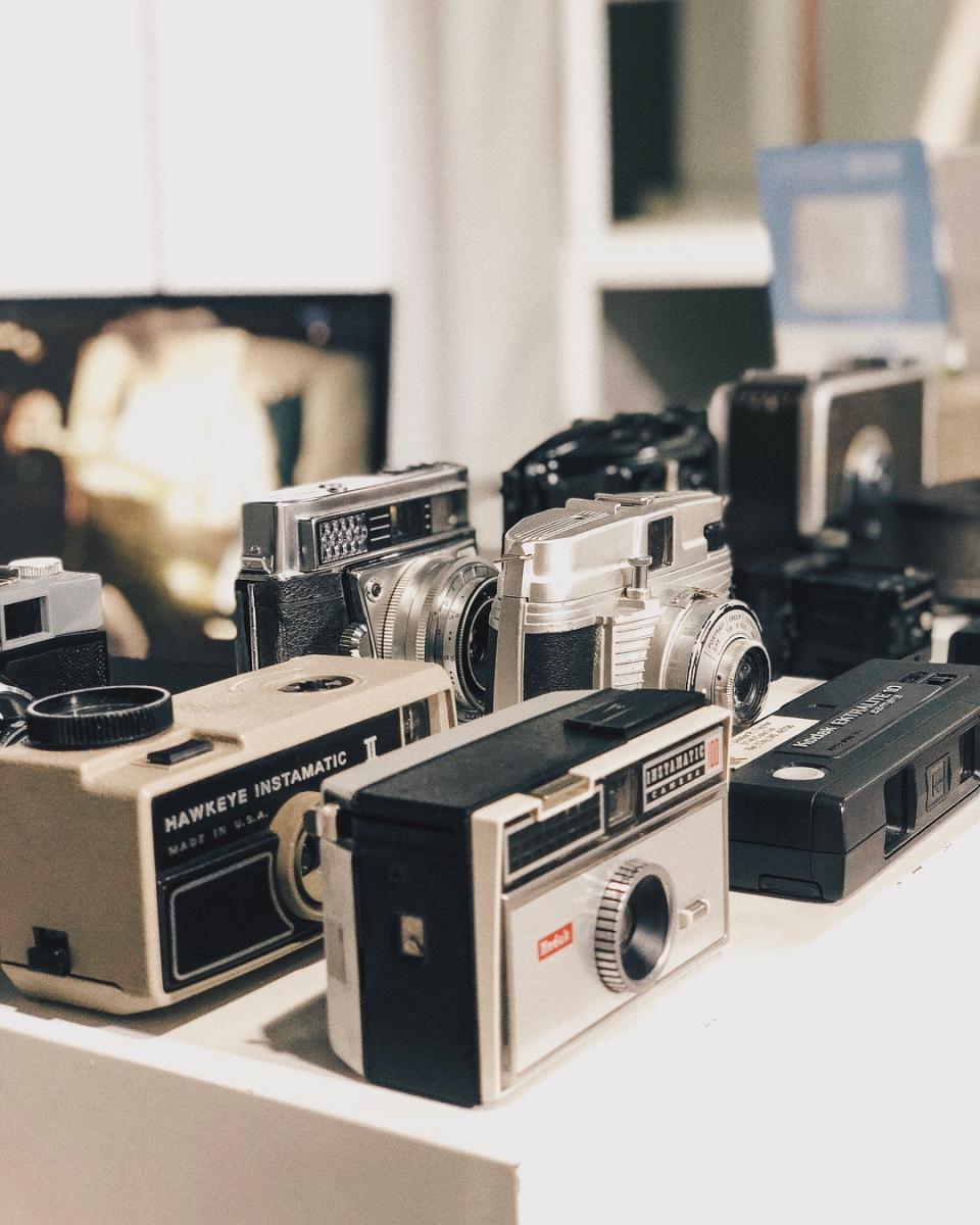 old cameras on display at Vintage Camera's Museum