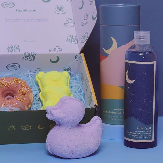 Nude & Jar body wash and bath bombs