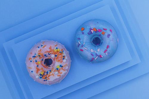 Nude & Jar Donut bath bomb