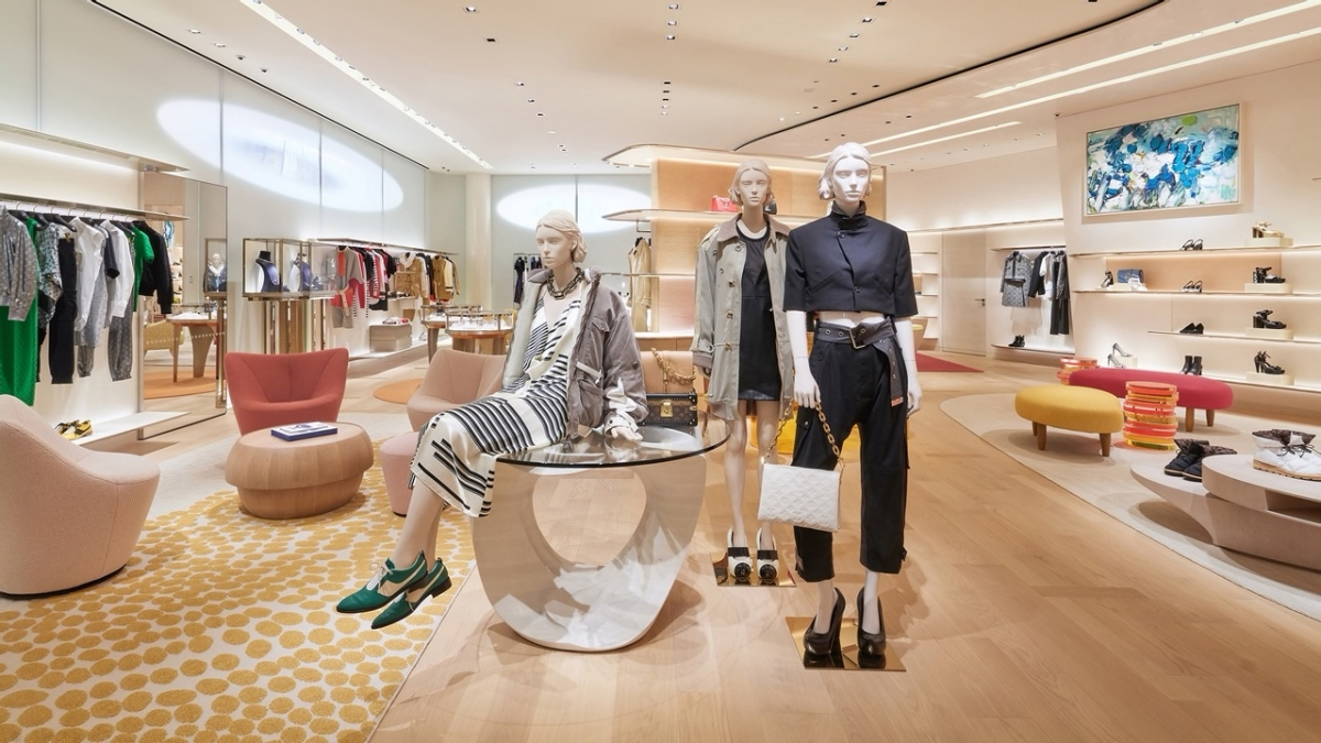 Louis Vuitton Ginza store women's section