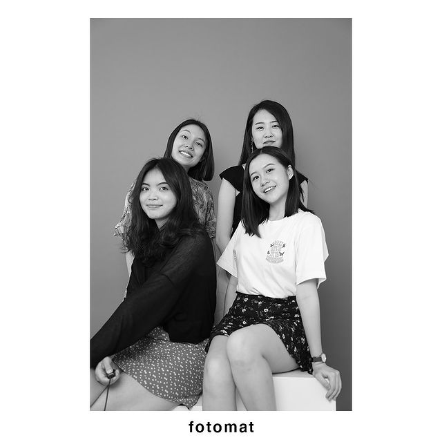 Fotomat Studios black and white photo