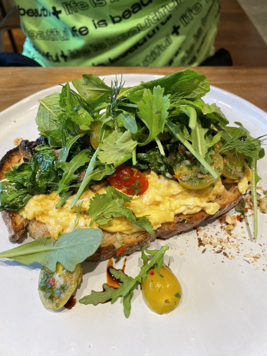 Amoy Hotel Singapore breakfast