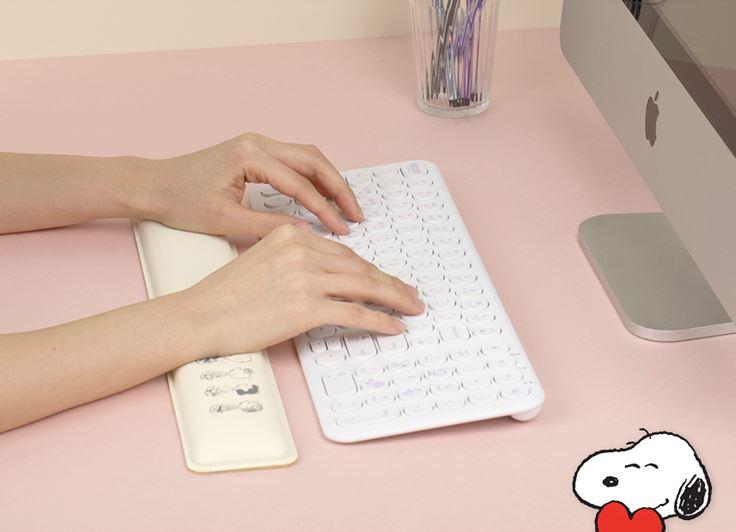 Snoopy Royche wrist pad Singapore