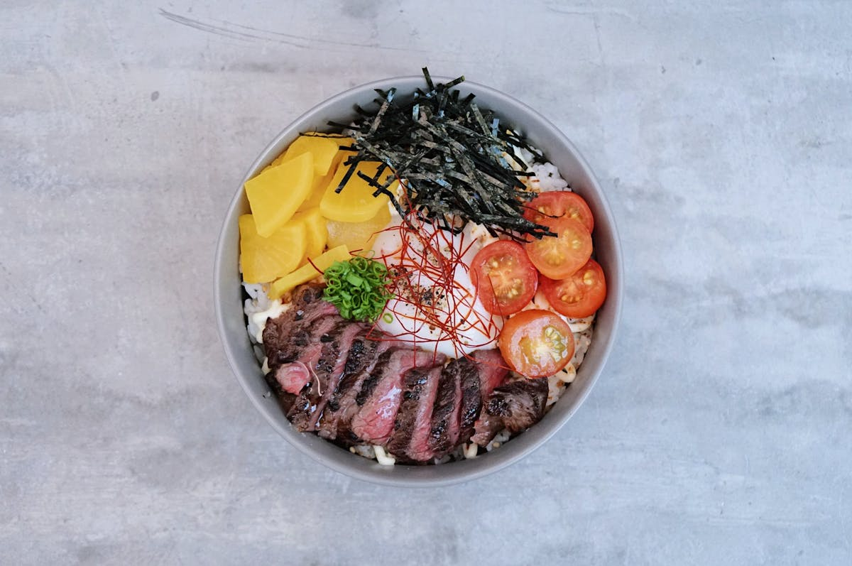 steak and rice bowl at syip cafe singapore